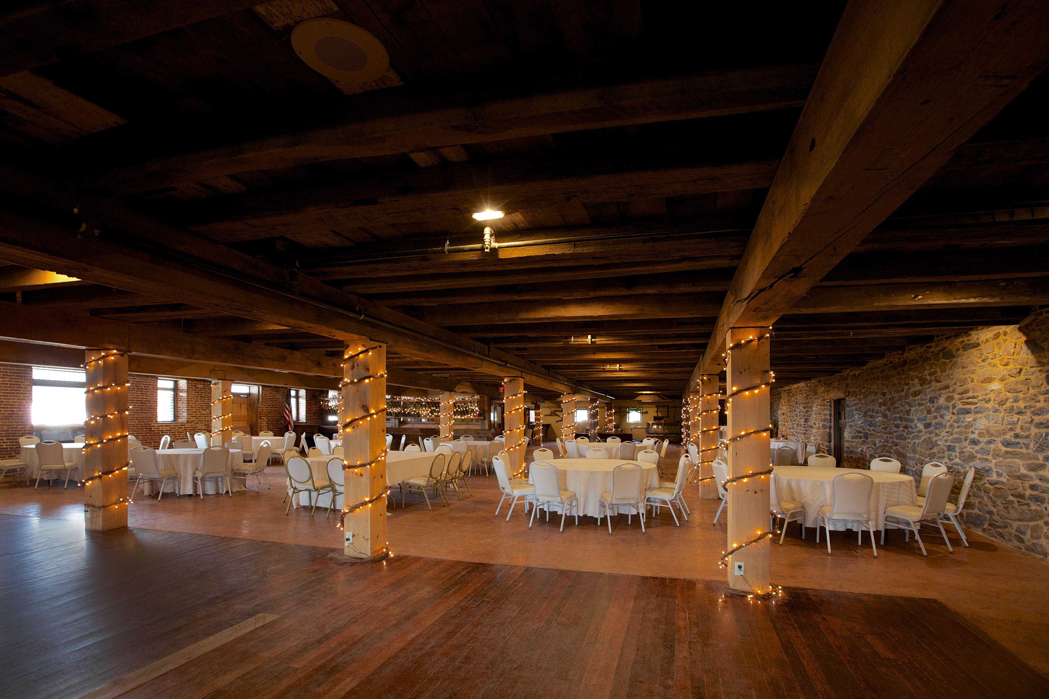 Rustic Barns In Lncaster County Pennsylvania Bride Barn Wedding Venues Farm