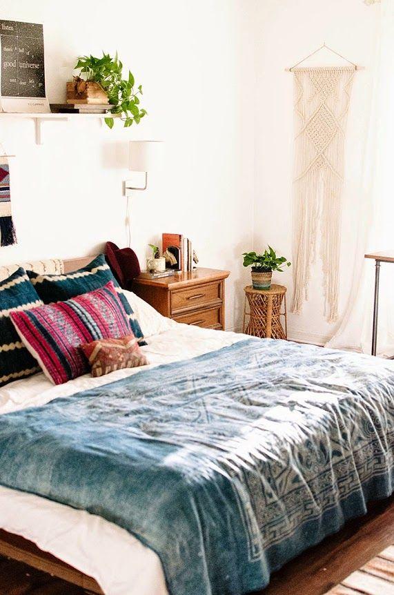 Die richtigen Farben geben einem schlichten Schlafzimmer Charakter - schlafzimmer einrichten deko