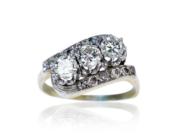 Diamond Ring with 3 Diamonds yellowgold  Gelbgoldener Diamant-Ring mit 3 Diamanten 1,166 ct