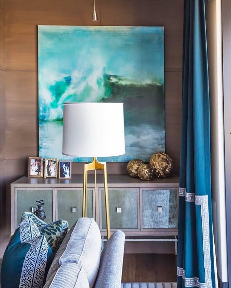 Pops of color give your living room meaning! #popofcolor # ...