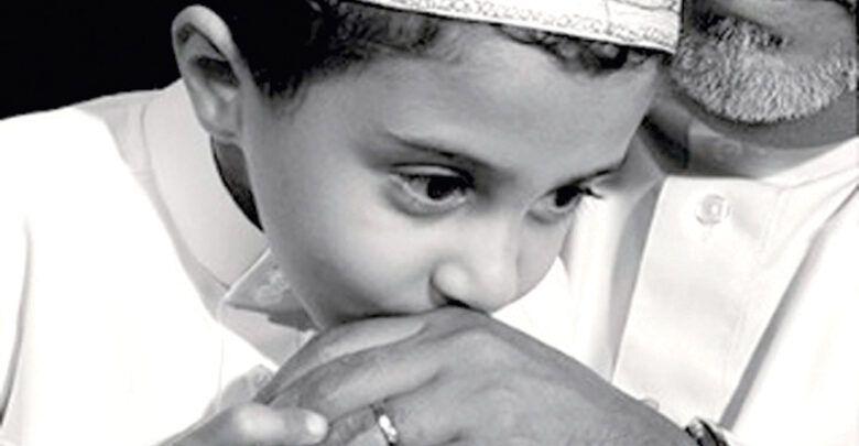 أحاديث نبوية عن بر الوالدين وعن عقوبة عقوقهما Baby Face Face Baby