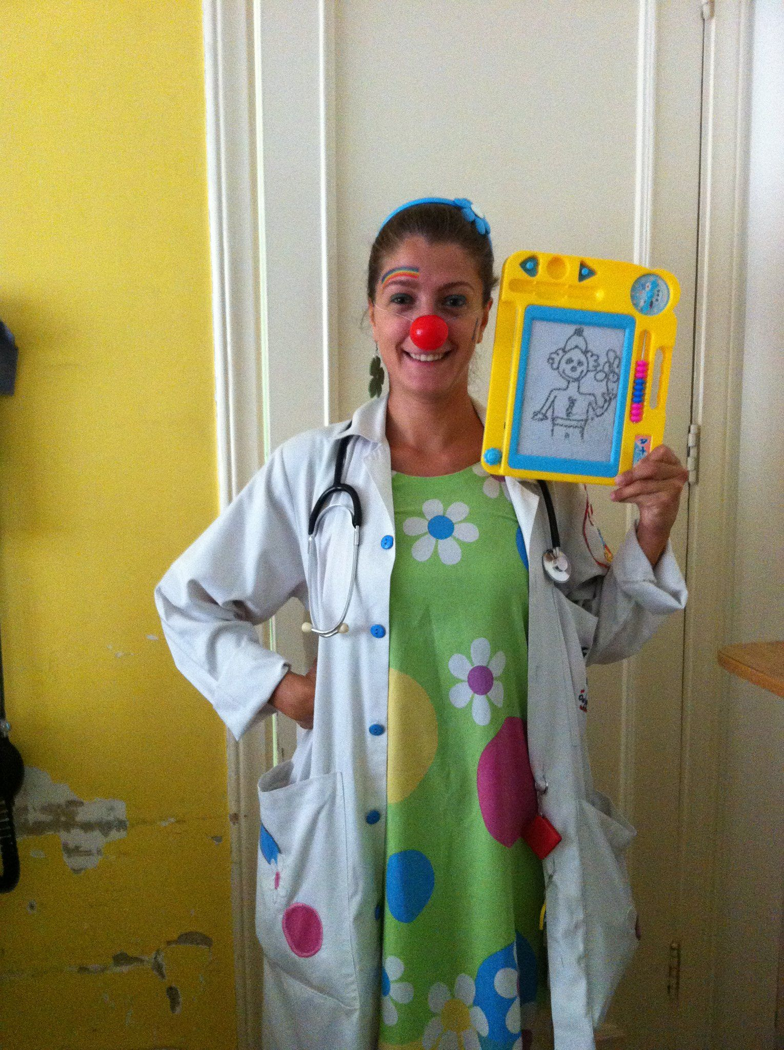 Ibtissama Clown Doctors Cheering Up Children In Hospitals - Artist visits sick children in hospital gives them amazing tattoos to cheer them up
