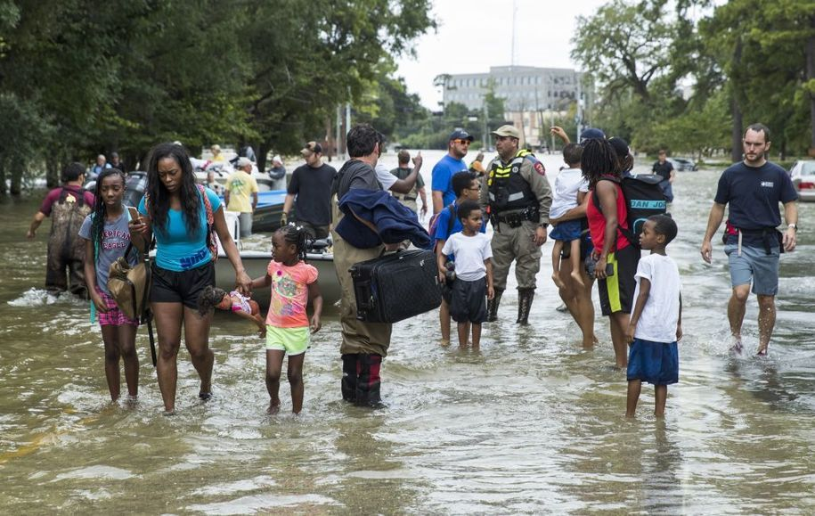 How to donate to hurricane harvey from canada