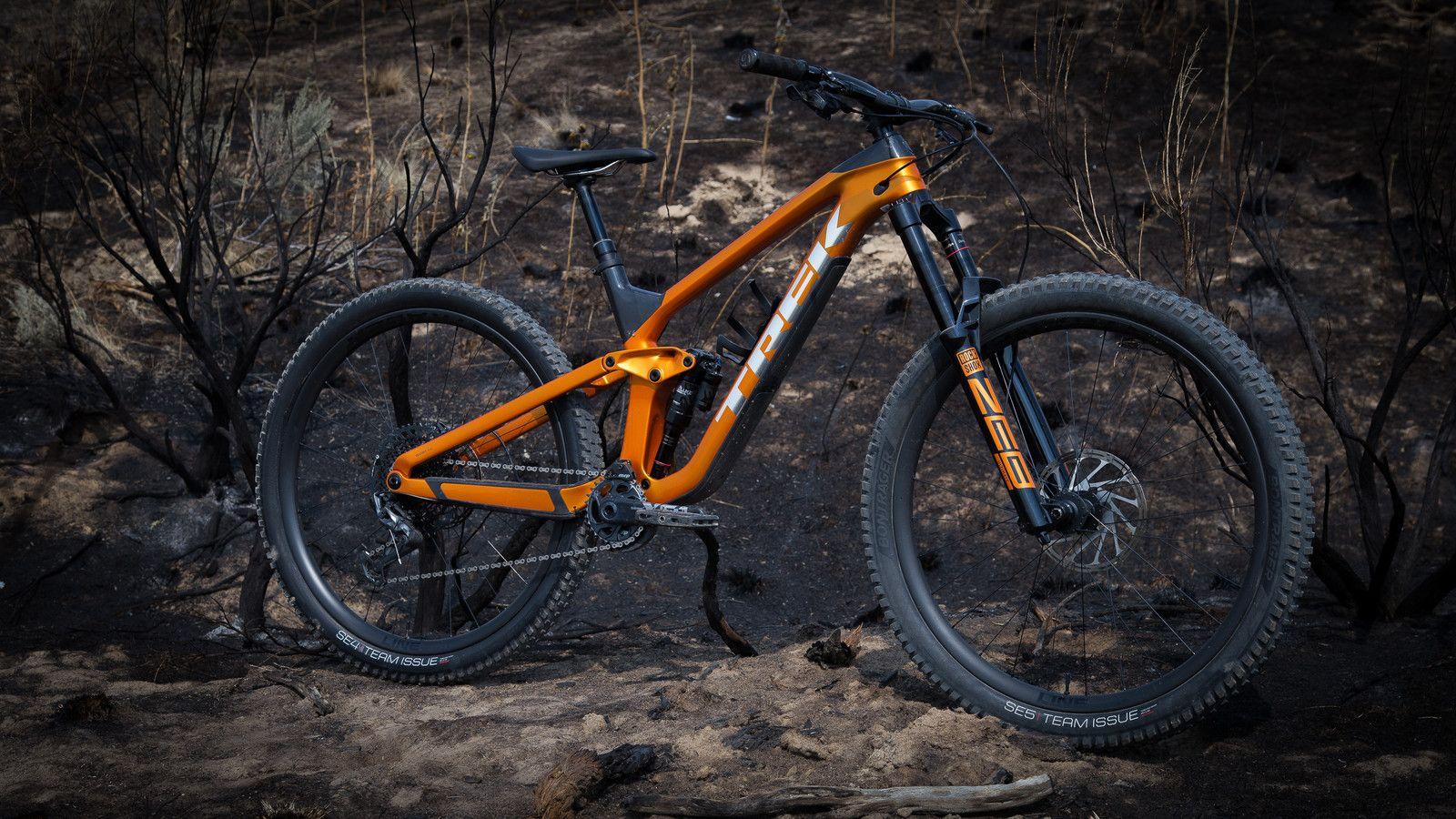 Trek Slash 2021 In 2020 Mt Bike Best Mountain Bikes Bike Design
