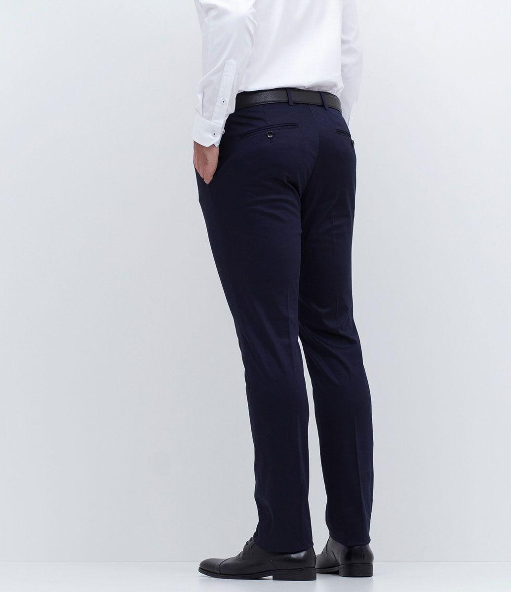 f4f3618369c Calça masculina Social Modelo slim Marca  Preston Field Tecido  Poliéster  Modelo veste tamanho