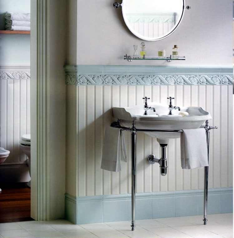 alte Wandfliesen klassische Fliesen altes Badezimmer Alte