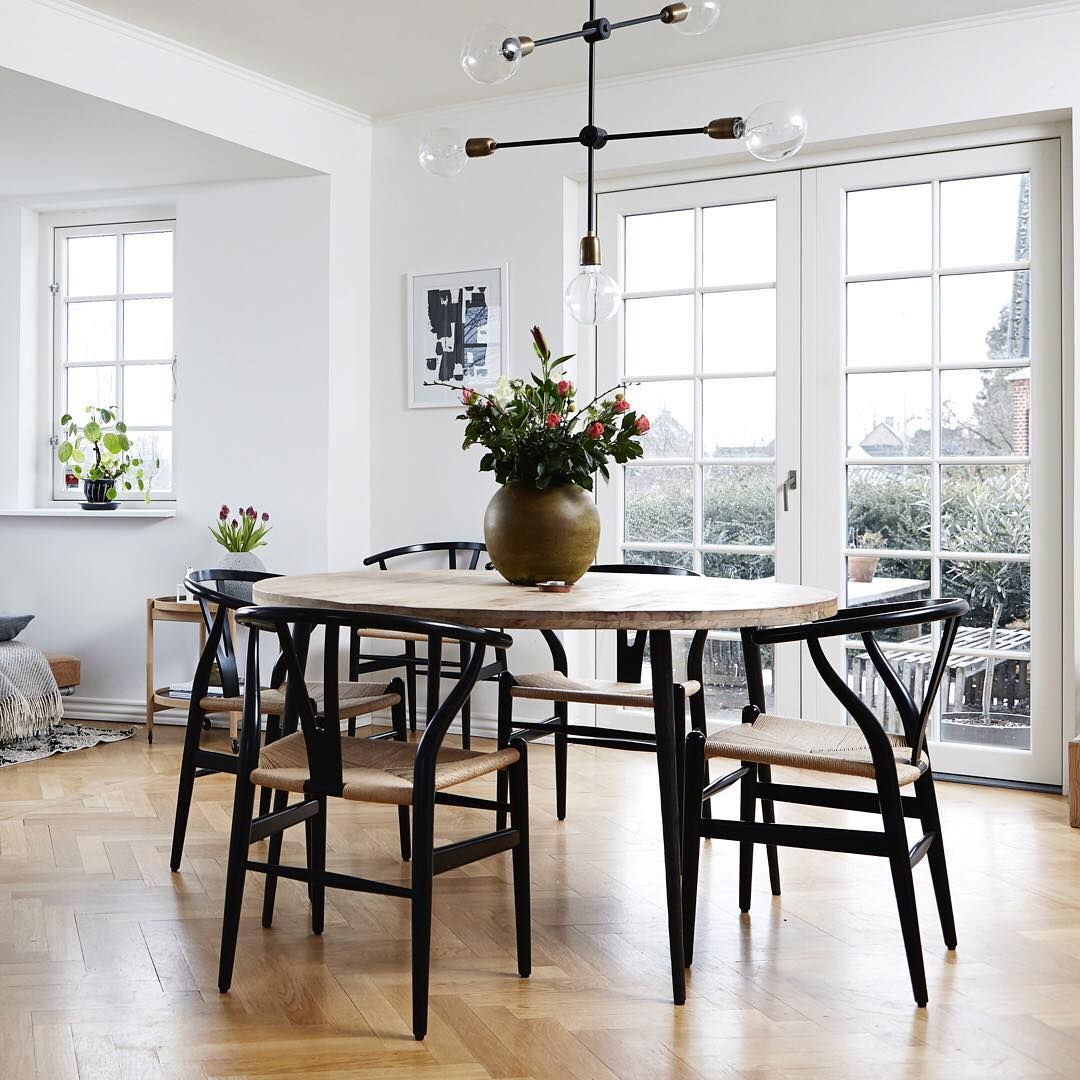 best cheap bd475 ea566 Round dining tables create flow and make - Houzz Home Decor ...
