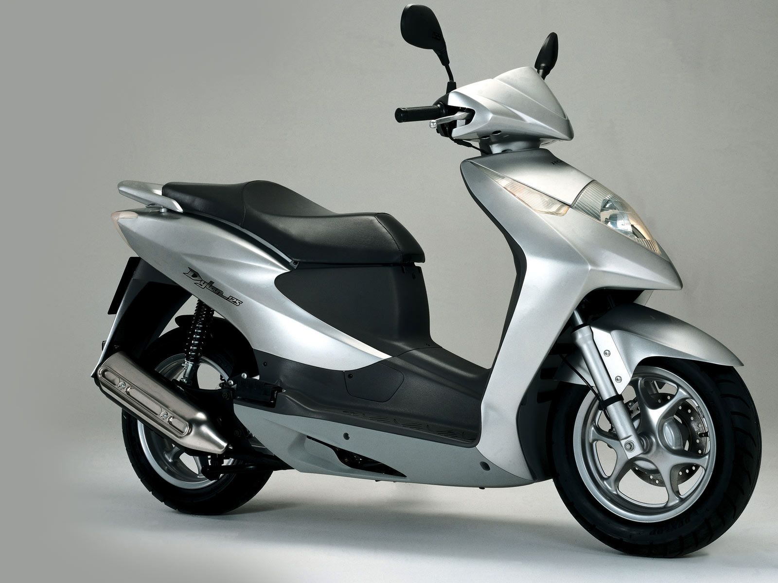 Honda Mopeds 2002 Dylan 125 Scooter Pictures Accident Foot Step L Belakang Cb Lawyers Info
