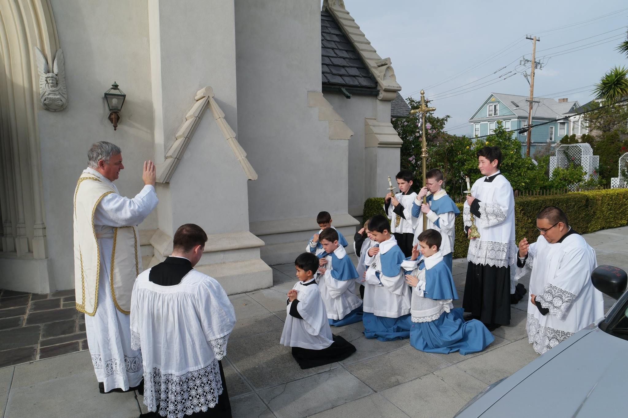 blessing of altar servers after Mass St Margaret Mary church ICRSS