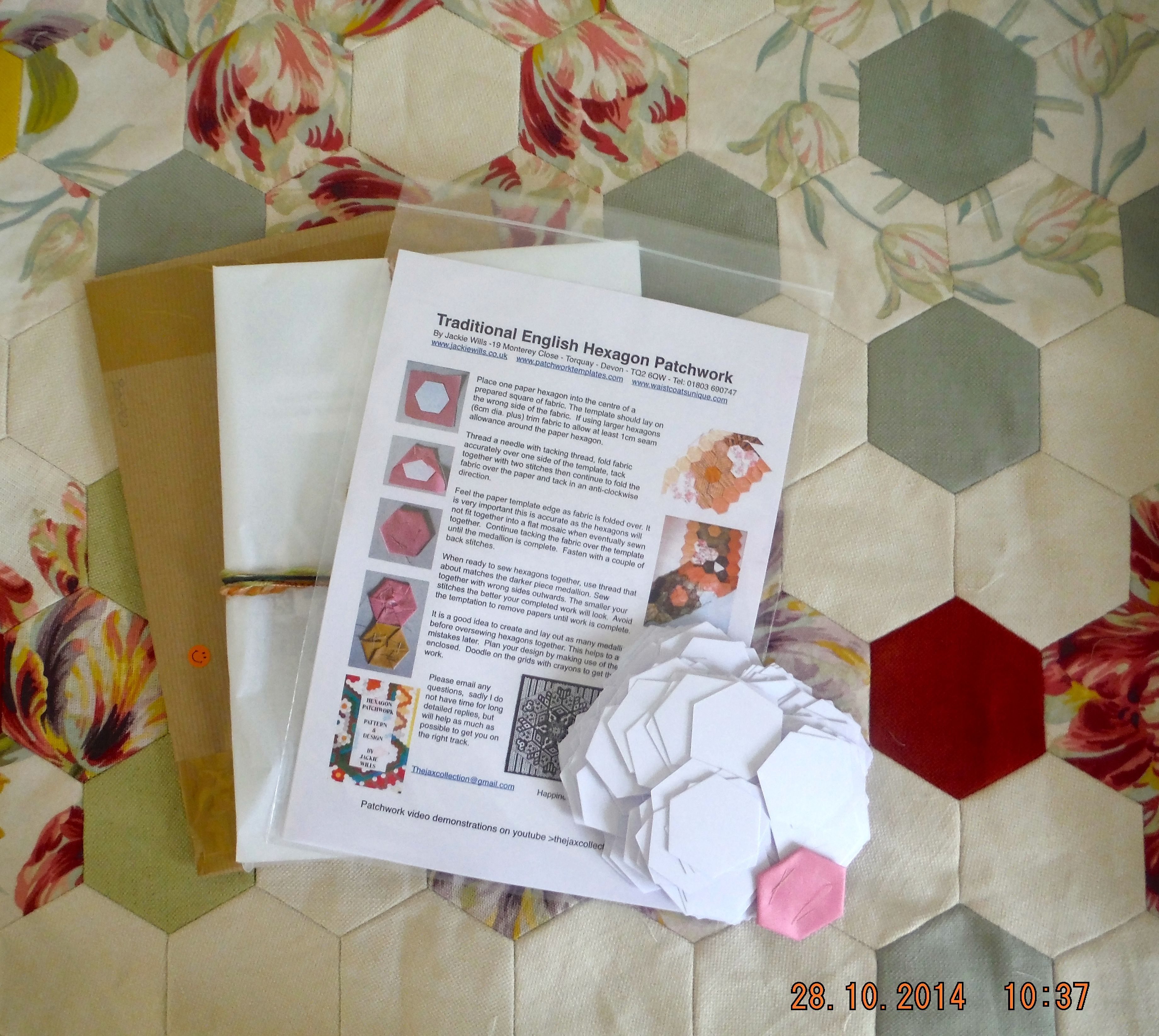 Hexagon patchwork paper templates from Jackie Wills. www ...