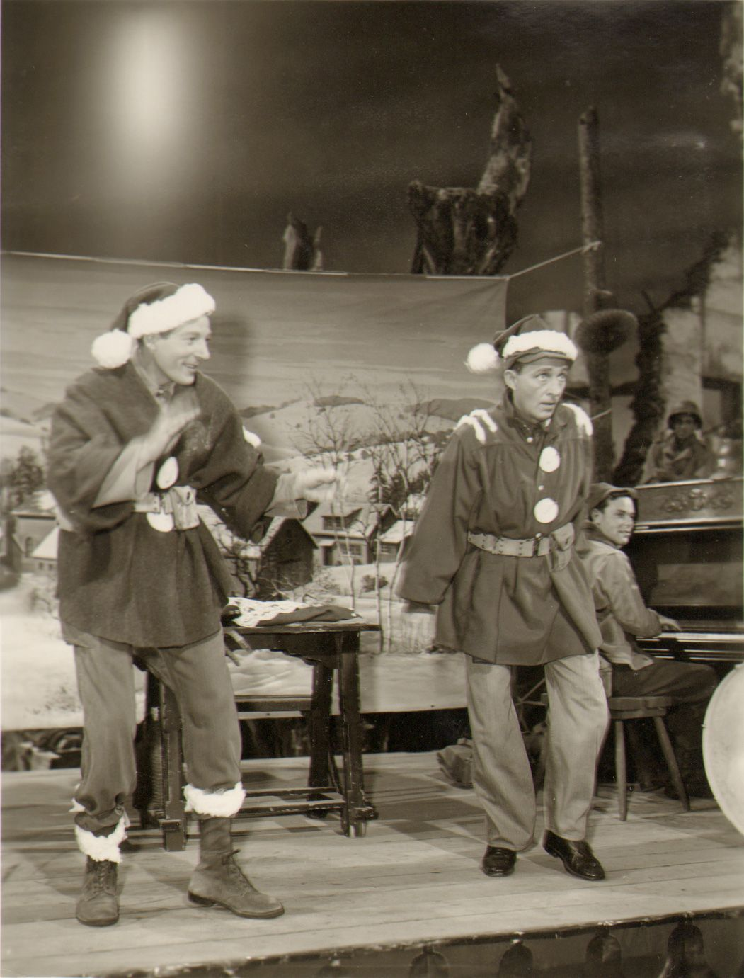 danny kaye and bing crosby on the set of white christmas white christmas movie - How Old Was Bing Crosby In White Christmas
