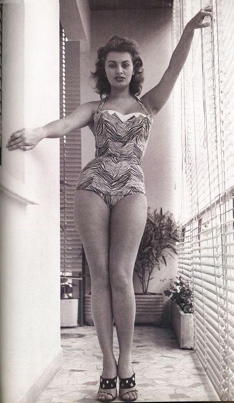 Sophia Loren Love The Vintage Bathing Suits Sophia Loren