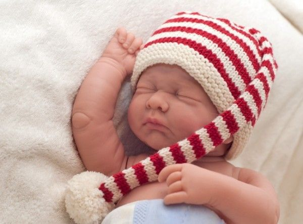 """Baby hat and booties """"Bijou"""""""