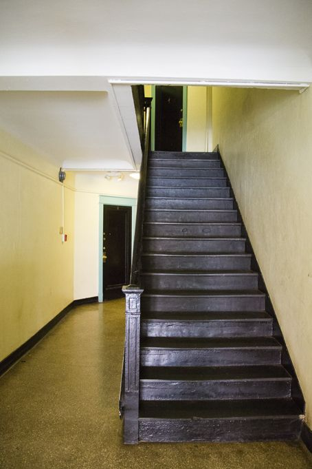 Stairway 3126 16th Street In Northwest Washington Dc Wc Smith Apartments Mount Pleasant Rentals Washington Dc Apartment Northwest Washington Stairways