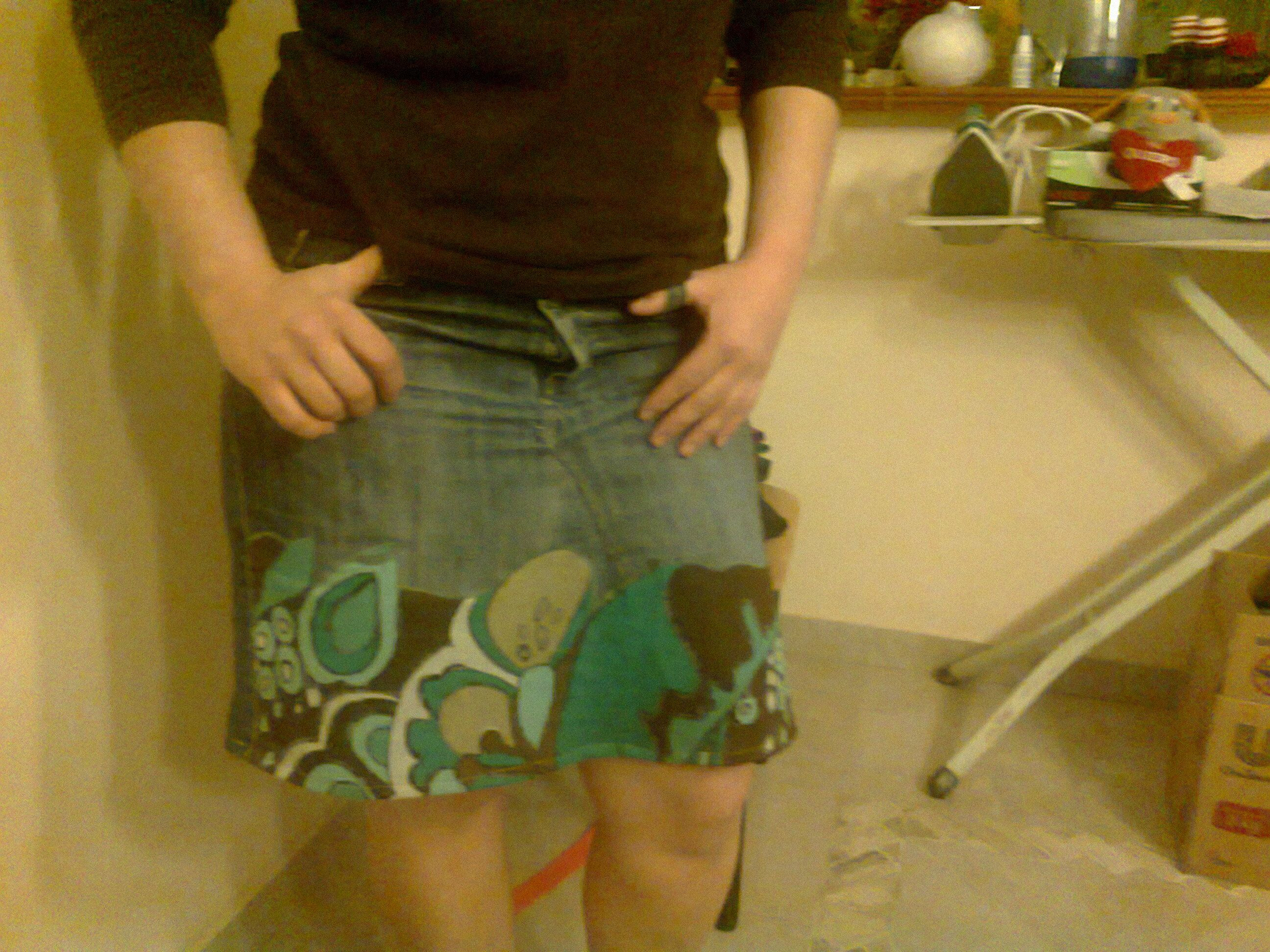 Pollera de jean hecha con pantalon viejo y retazo de tela