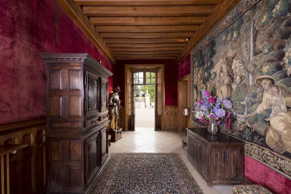 Chateau De Blancafort La Magie D Une Maison Fortifiee Au Bord De La Sauldre En Berry En 2020 Chateau Maison Architecture