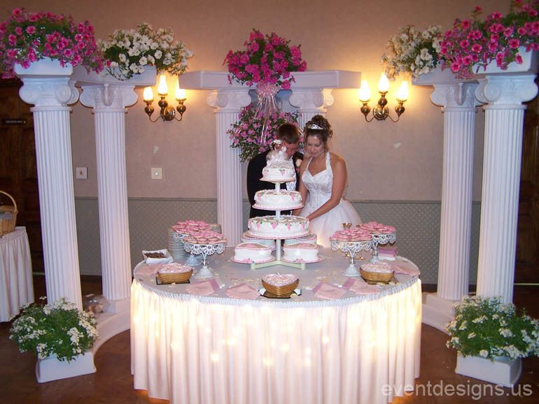 Images Of Cake Tables For A Wedding : Wedding Cake Table Ideas Pretty Stuff, Inspirations ...