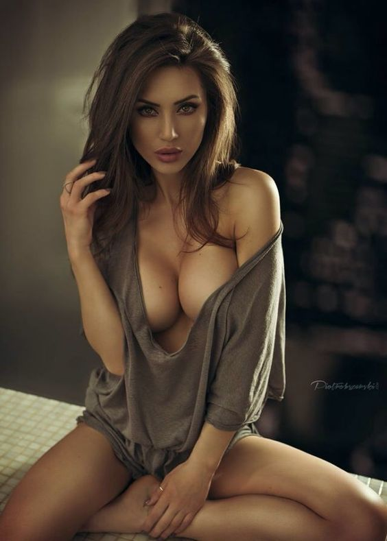 Фото подборка красивого секса, грабители раздели девушку