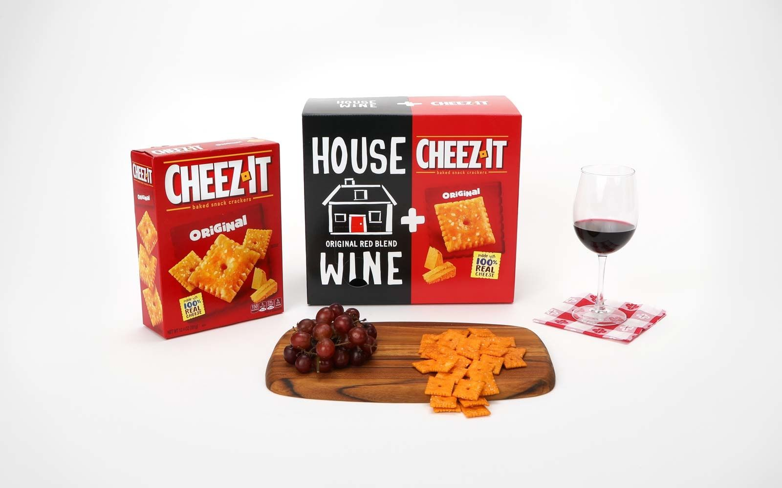 This Cheez It Boxed Wine Combo Is The Best Way To Get The Party Started Cheesy Crackers Cheez It Wine Snacks
