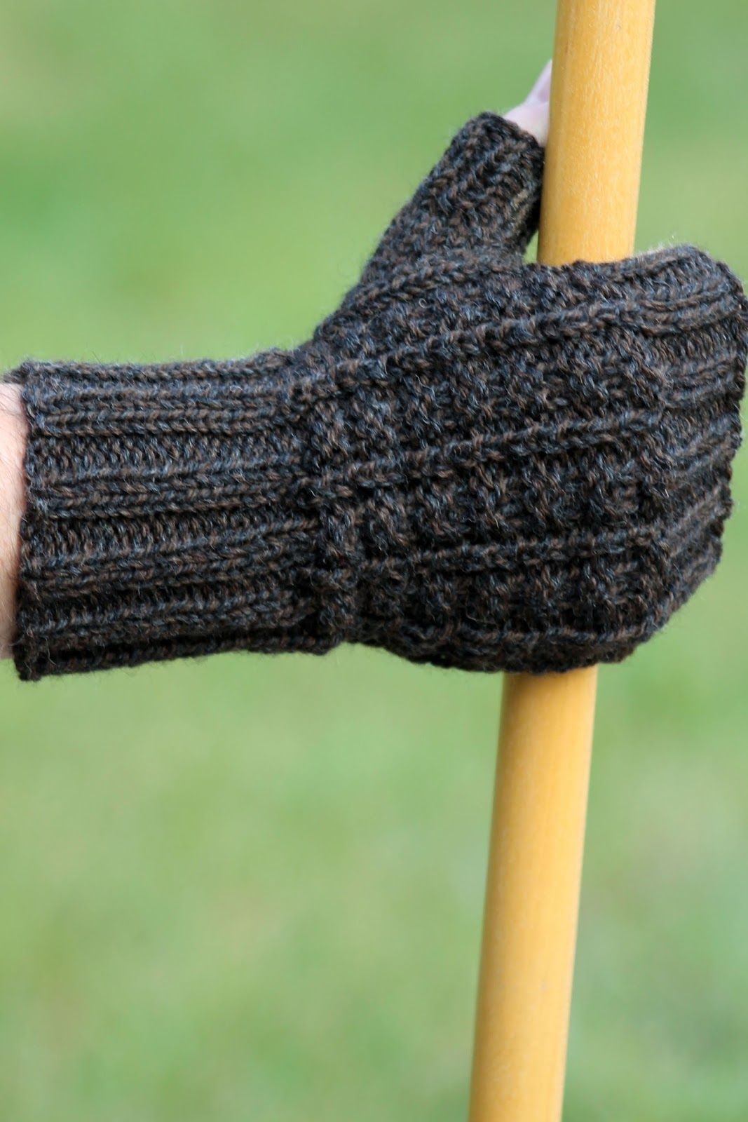 Sailors rib fingerless gloves balls to the walls knits a sailors rib fingerless gloves balls to the walls knits a collection of free one bankloansurffo Image collections