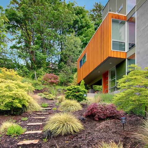 Pin By Sadie Anderson On Crystal Hill Landscaping Modern Landscaping Landscape Timbers Stone Path