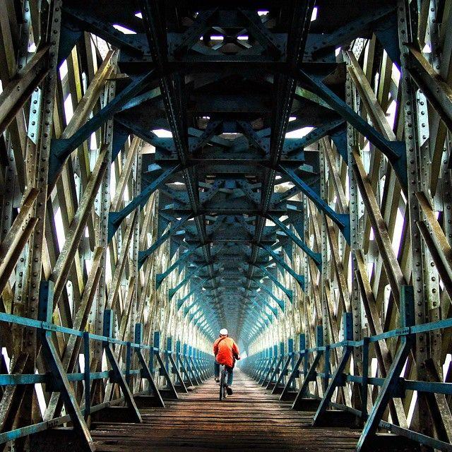 Jembatan Cirahong, Tasikmalaya - Ciamis, Jawa Barat. Photo by @firmanochim #livefolkindonesia #liveauthentic #exploreindonesia