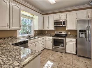210 Queen St, Columbia, SC 29205 | Zillow | Cottage ...