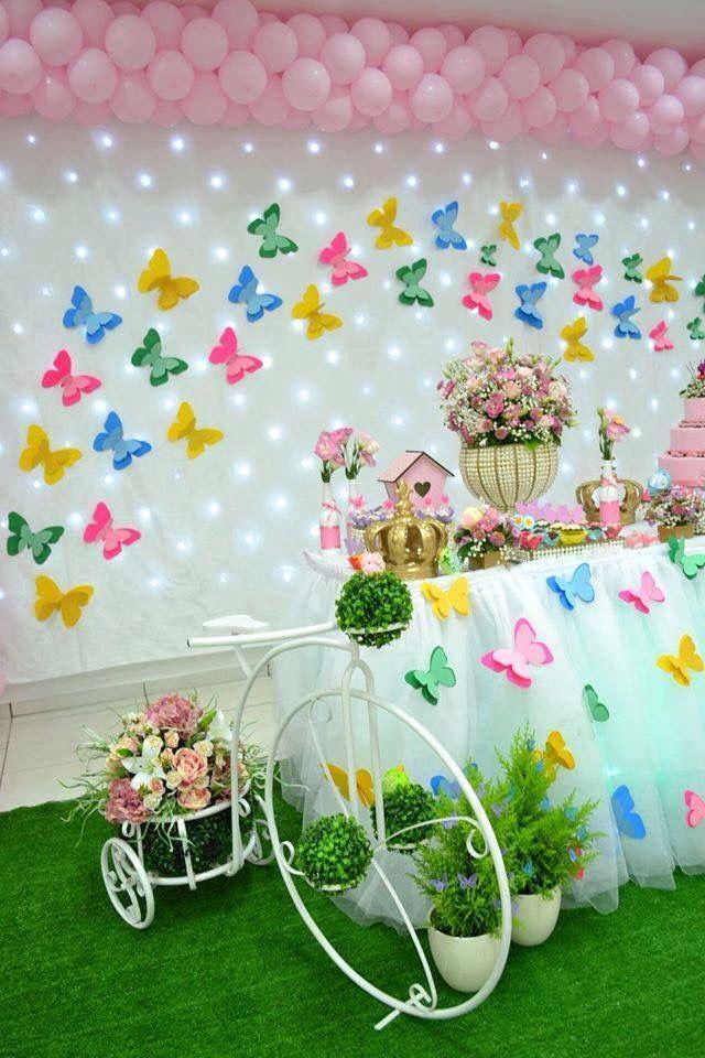 Borboletas decoraç u00e3o com painel de flores Festa de aniversario decoracao, Festa jardim das  -> Decoração De Aniversario Jardim Encantado Das Borboletas