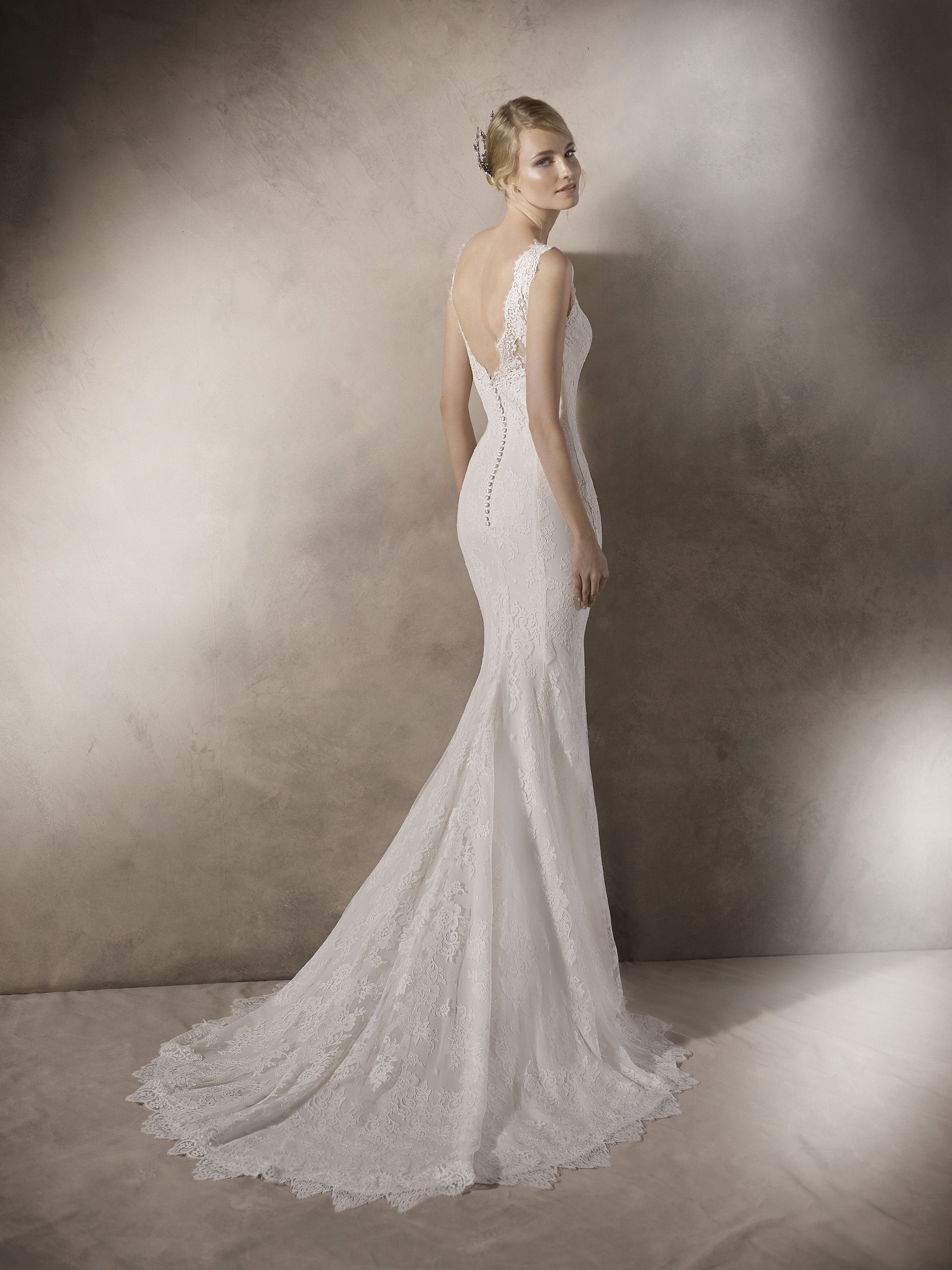 246f28b64604 ... thistles.ie - Galway's best-loved bridal boutique. haim_chaim_d HAIM Spectacular  mermaid wedding dress in crepe. The V-neck is crafted in tulle, ...