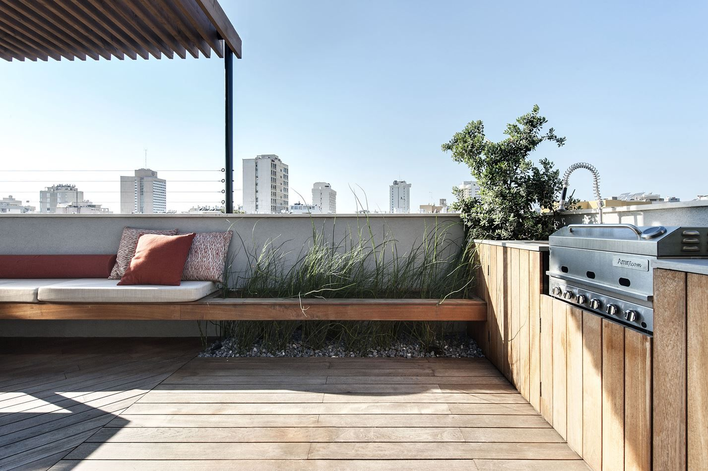 Duplex Penthouse And Roof Terrace In Tel Aviv Picture Gallery Roof Terrace Design Terrace Design Roof Terrace
