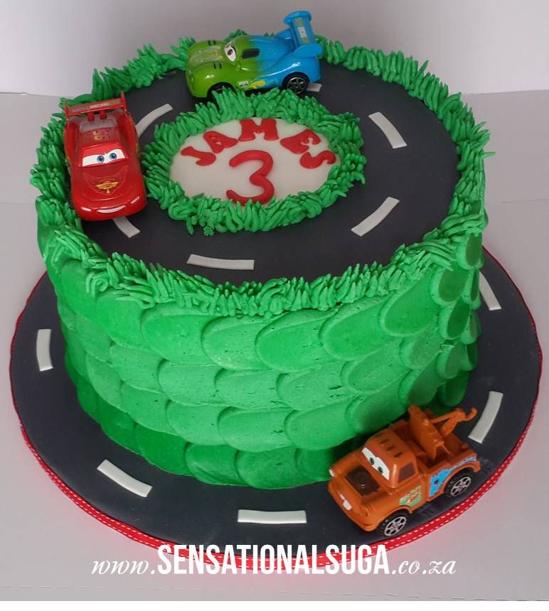 Buttercream CARS Cake (With images) Car cake, Butter