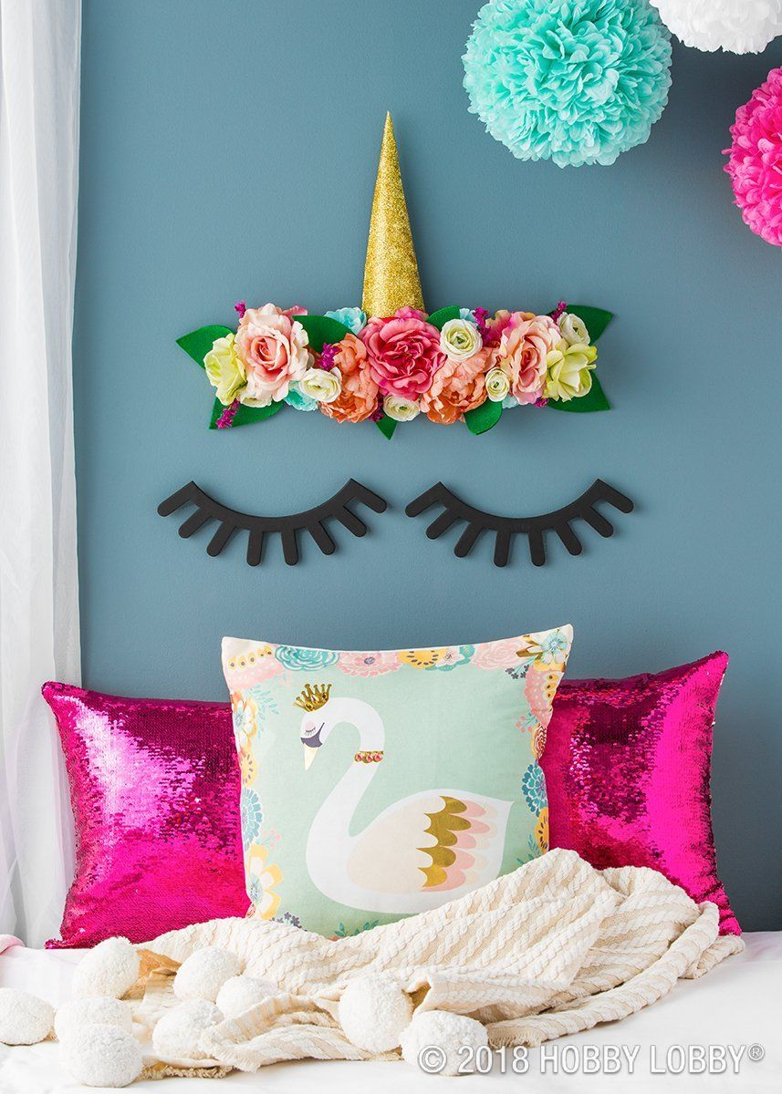 DIY these chipboard eyelashes for an adorable larger-than