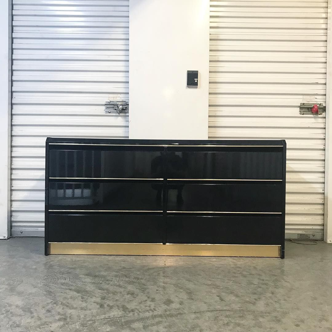 Vintage 80s Black And Gold Lacquer Dresser 325 22 25 W X 16 D X 22 T Stunning 80s Glam Six Drawer Dress Lacquer Furniture Lacquer Dresser Mirrored Furniture