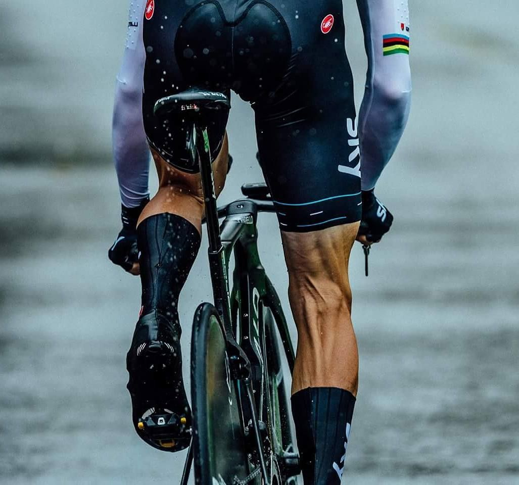 'Professional legs be like' Stage 1 TDF2017 @cyclingimages
