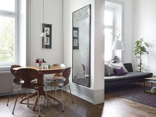 #white_walls and #light_wood #dining_room