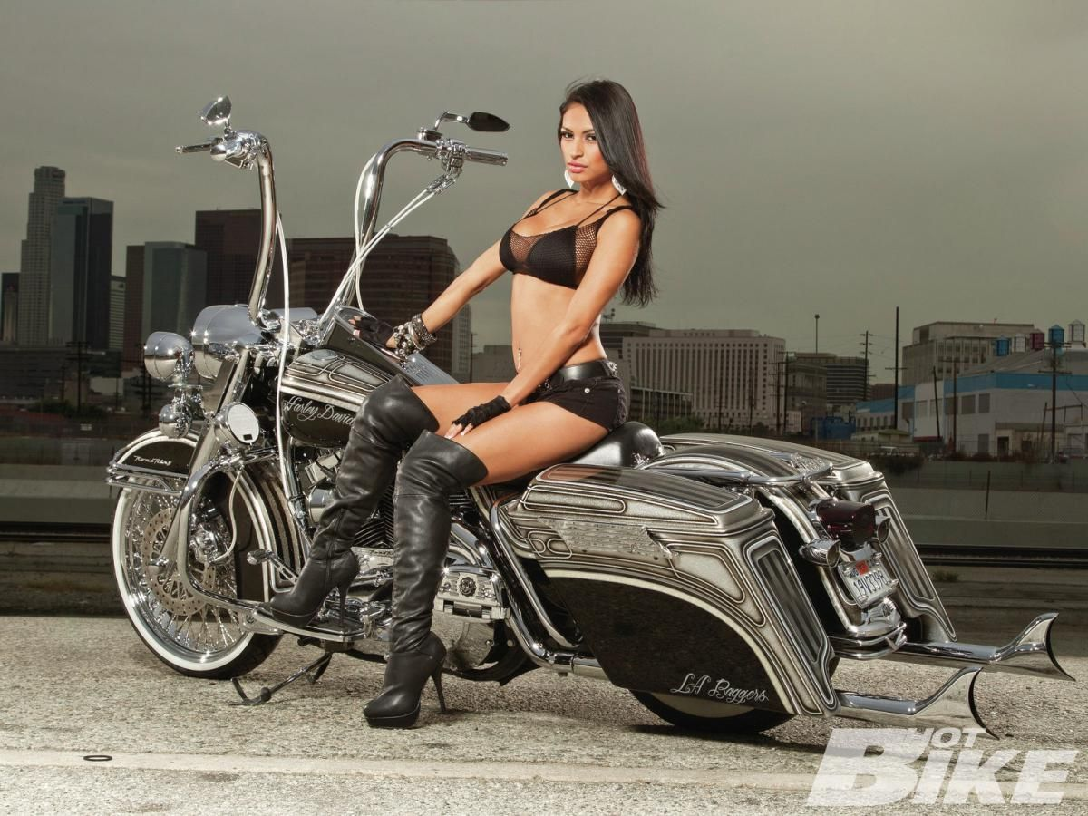harley-davidson-biker-babes-calendar-straight-guy-spacking