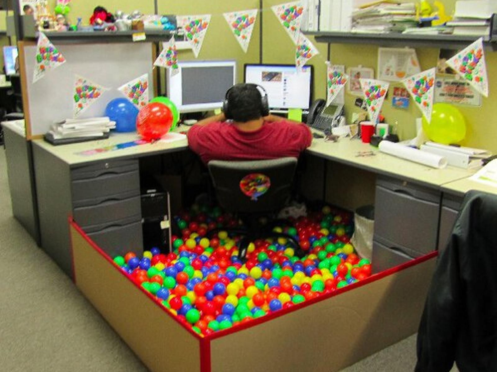 Office Birthday Decorations Cubicle Decorating  Picture Note_cubicle Decorating_home