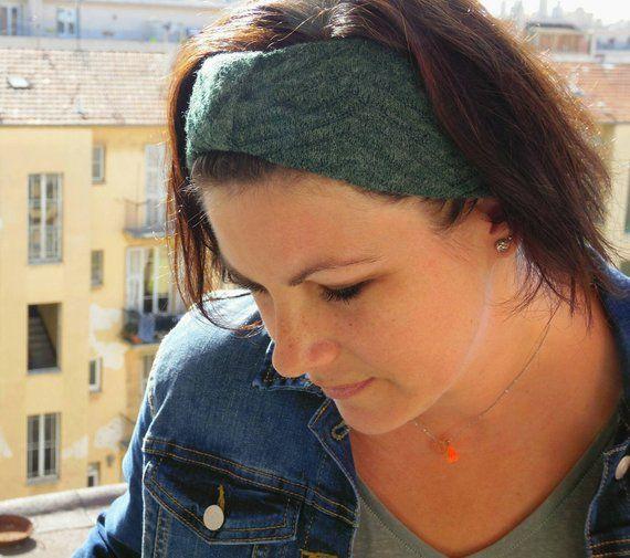 Headband bandeau laine femme, headband tricot vert, turban maille verte. Chaud, il remplace un bonnet en hiver. Accessoire idée cadeau noël #bandeaulaine