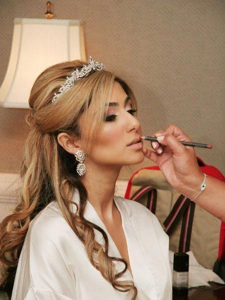 Half Up Half Down Wedding Hair With Tiara Halfupweddinghair Wedding Tiara Hairstyles Bridal Hair Half Up Bridal Hair Half Up With Veil