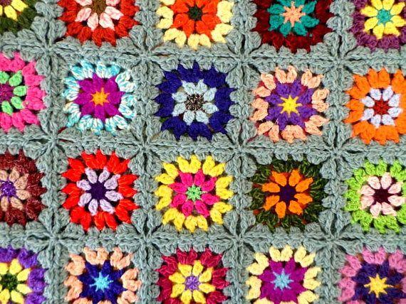 Plaid vintage au crochet granny en laine multicolore | piezera ...