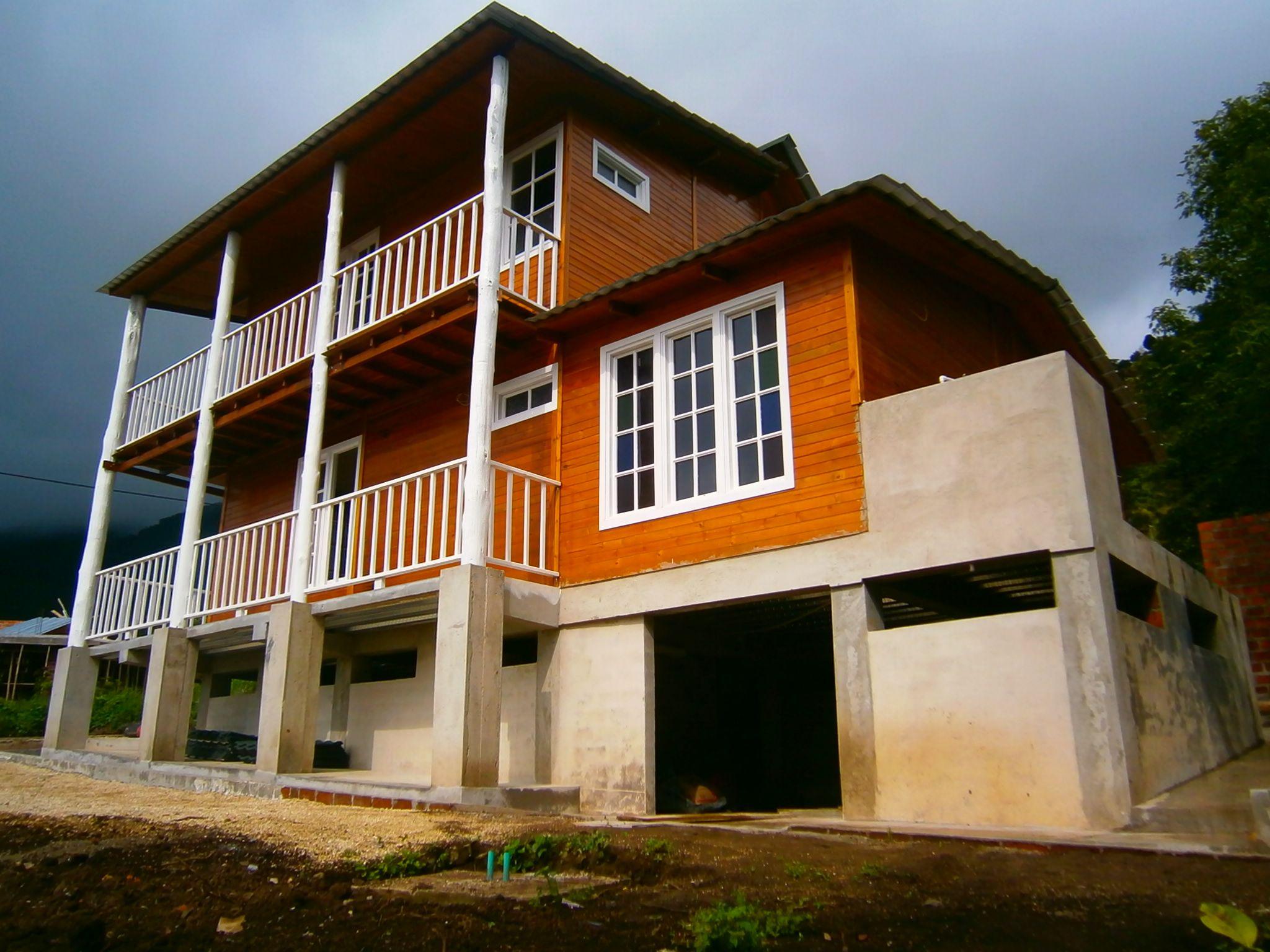 Pin de construexpress en casas en madera construexpress for Precios de viviendas prefabricadas