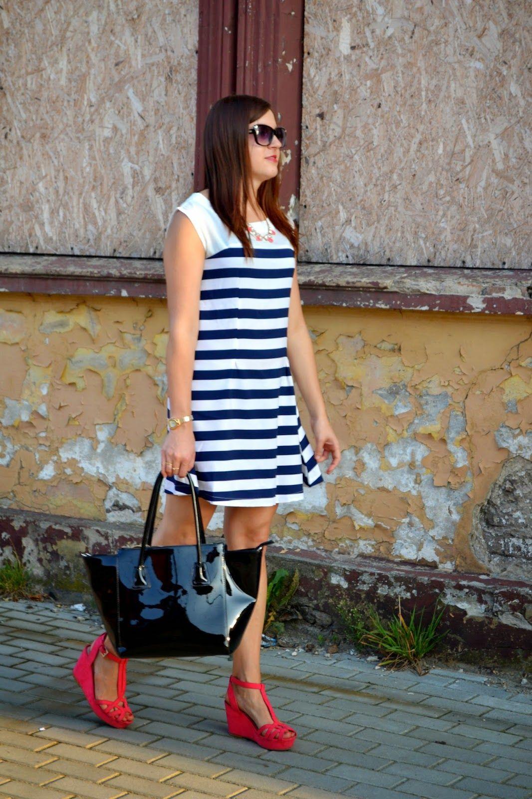 Znalezione Obrazy Dla Zapytania Granatowa Sukienka Rozowe Buty Fashion Bodycon Dress Dresses