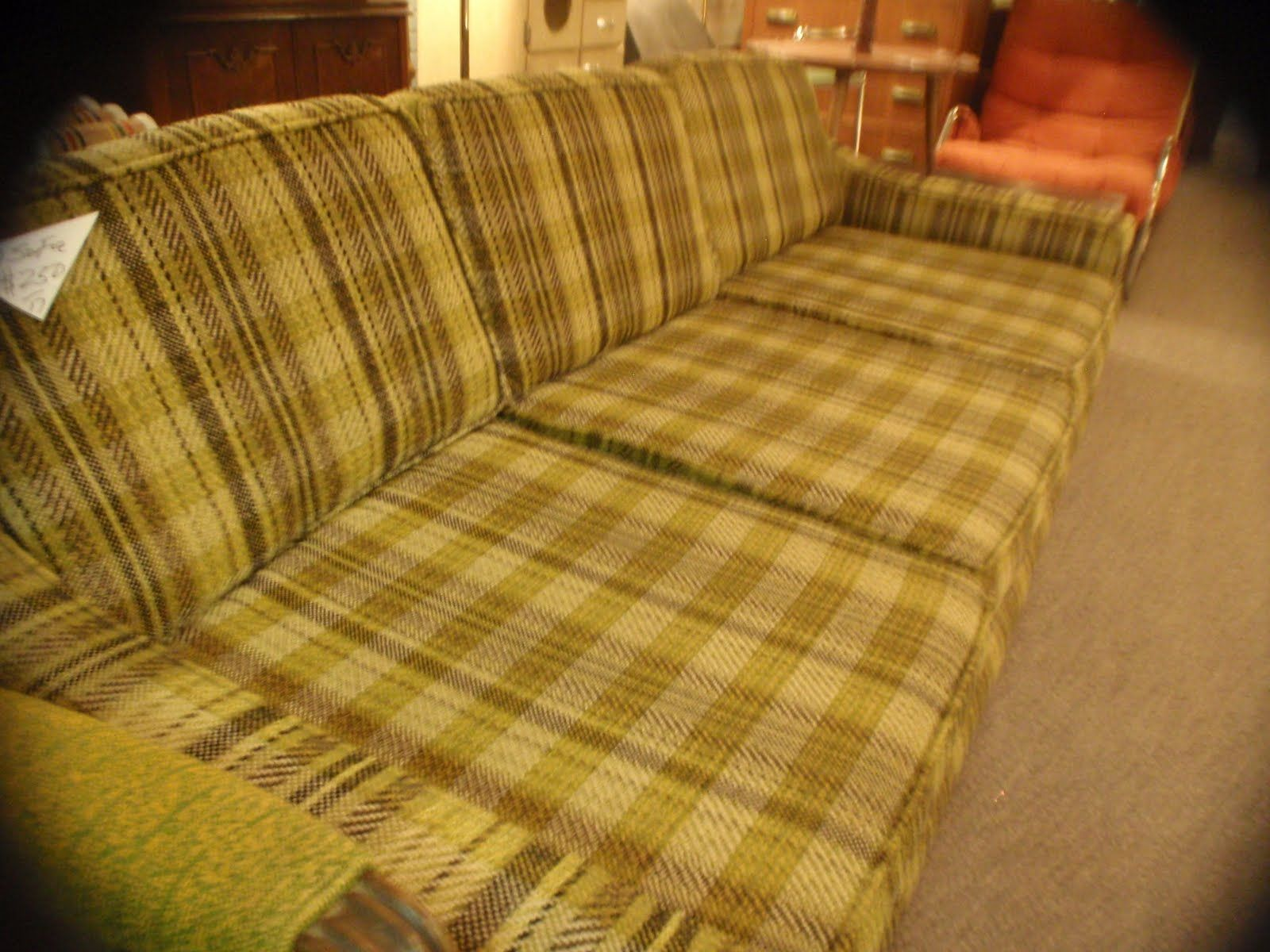 ratty couch   Wangs APT-WT   Couch, Plaid couch, Home decor