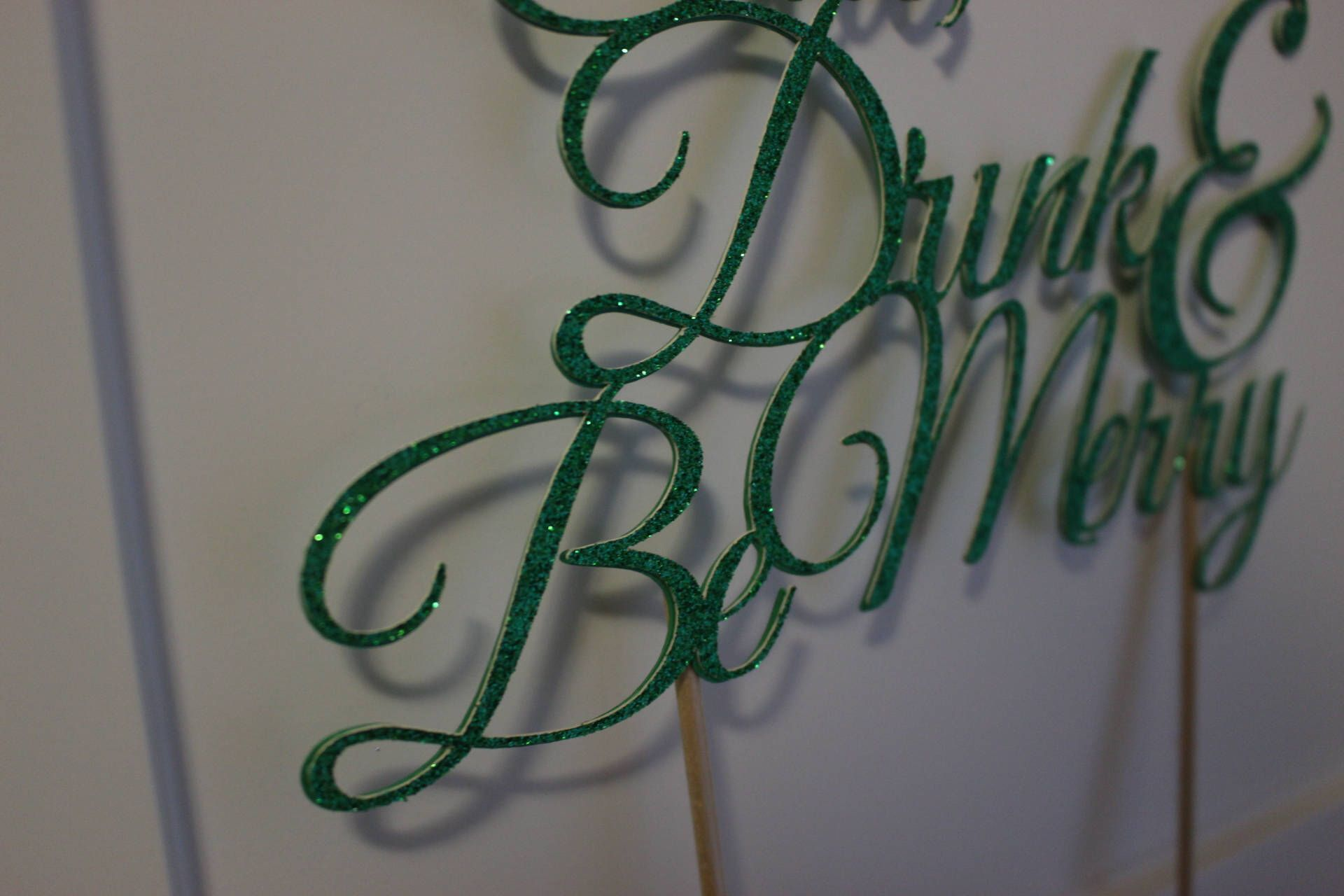 Eat Drink and Be Merry Cake Topper, Christmas Cake Topper,Christmas Party Decor by OneofaKindDesignAA on Etsy https://www.etsy.com/ca/listing/555132228/eat-drink-and-be-merry-cake-topper