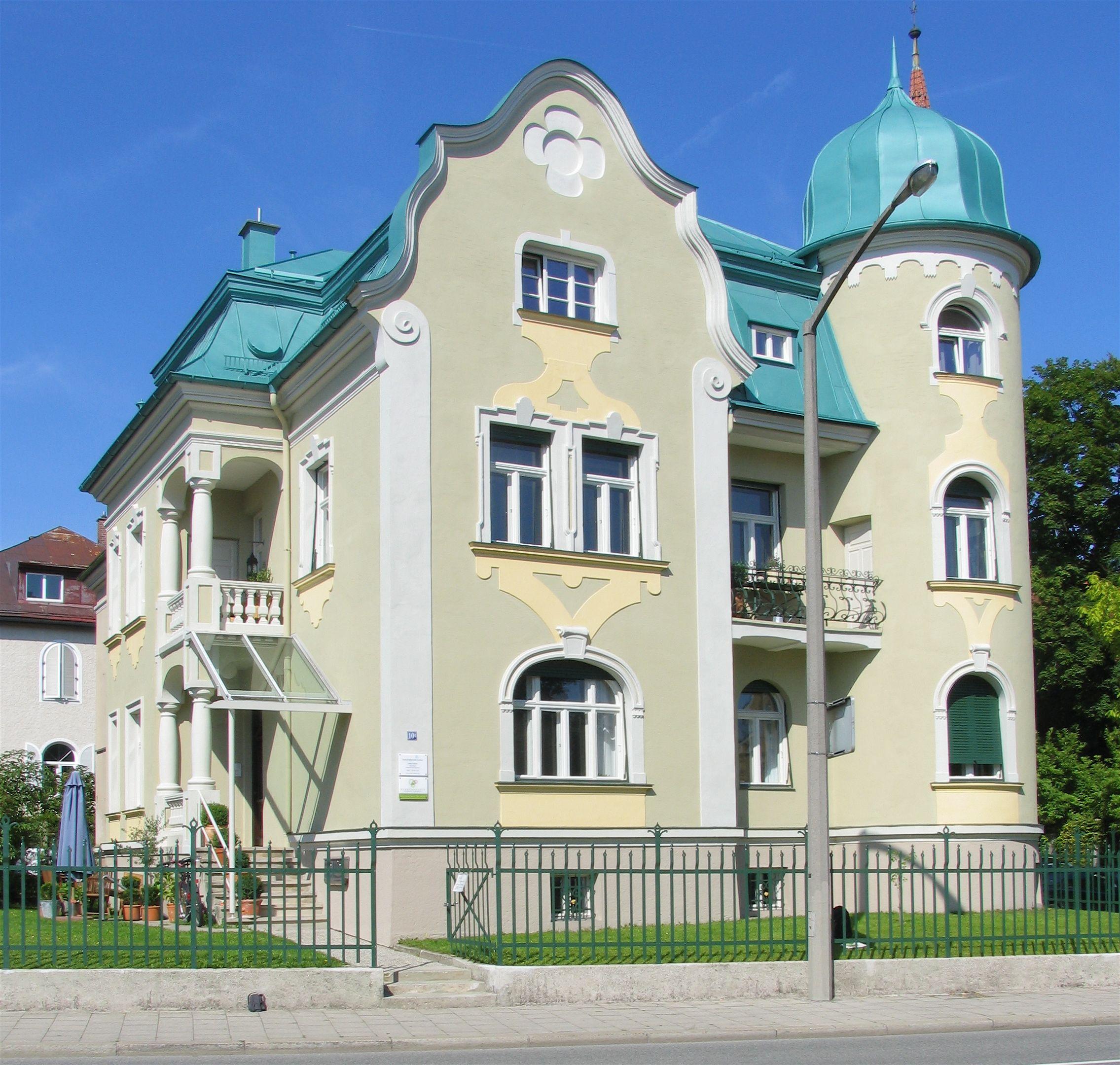Fassadenpreis Platz 1 villa Fassade, Zwerchgiebel, Villen