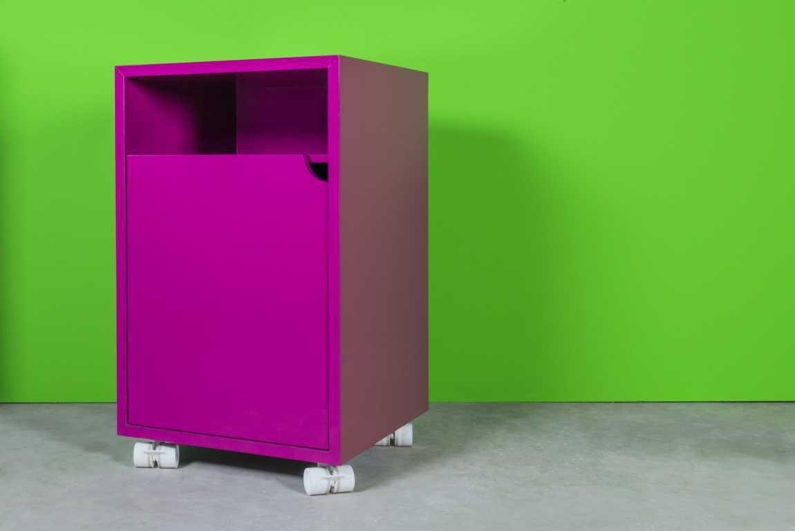 Cameretta Viola ~ Regia mobile contenitore viola dona un tocco di colore alla