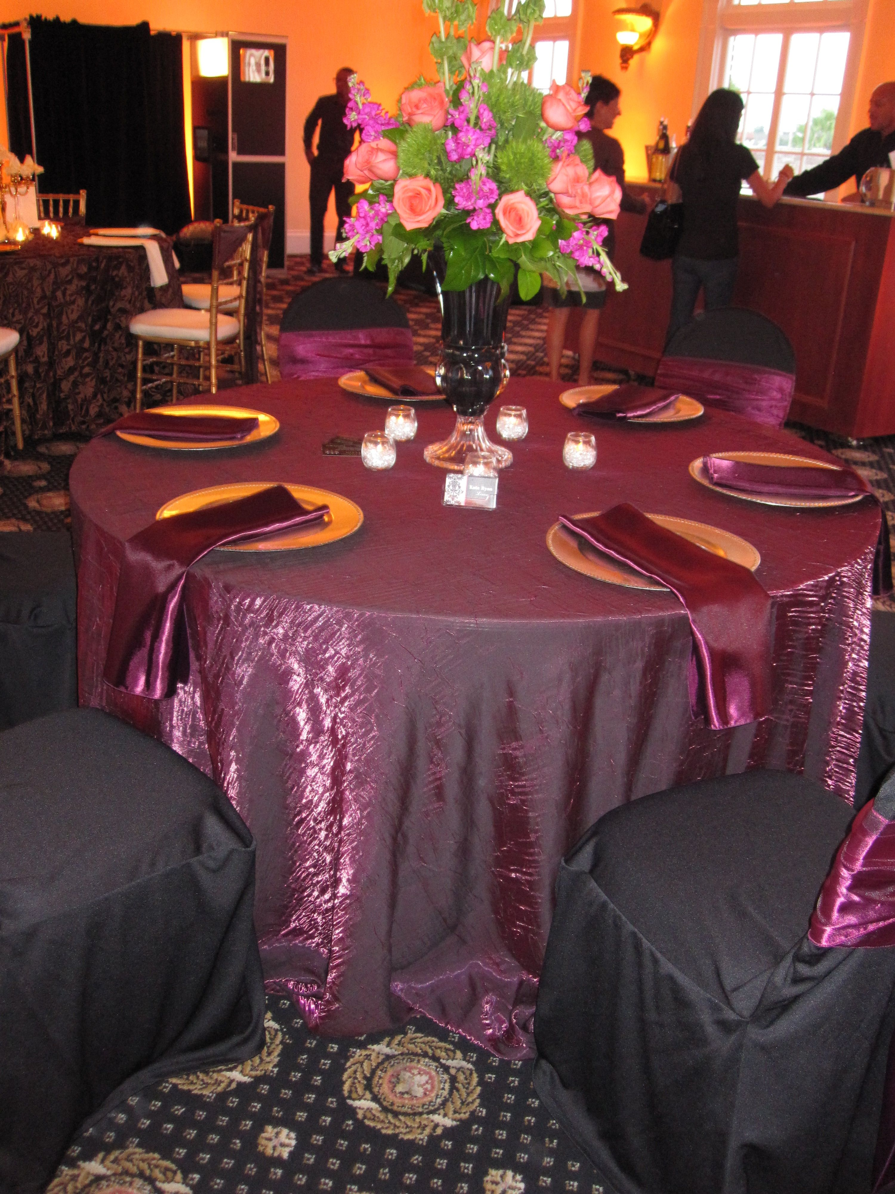 Similar Linens But With Silver Charger?Wildberry Sangria Iridescent Crush  Tablecloths With Plum Satin Napkins U0026 Sashes