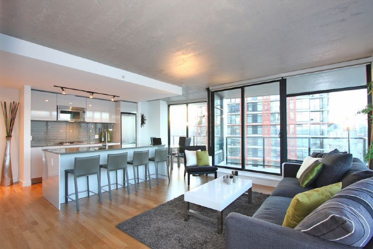 Luxury View Suite at the Woodward - Vancouver Furnished ...
