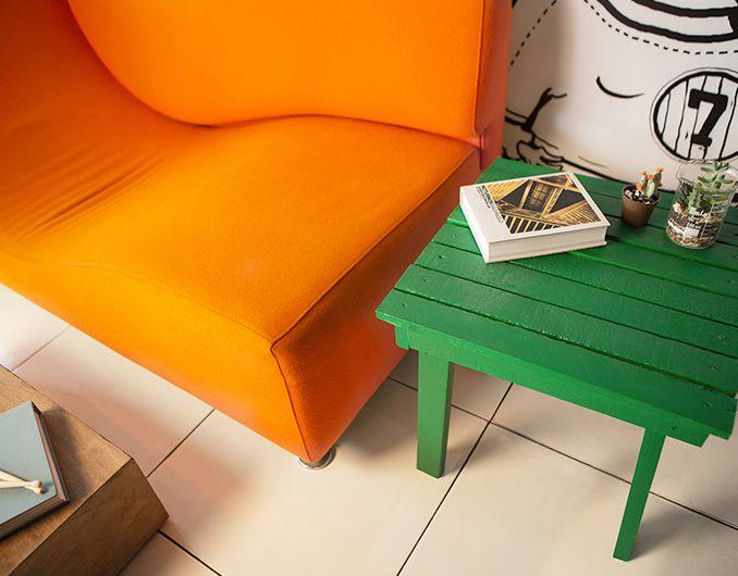 Aprenda a fazer móveis na sua casa reaproveitando materiais.