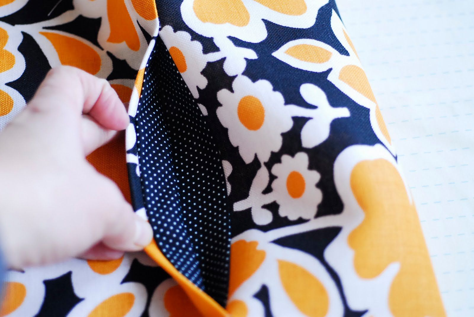 how to sew pockets - using this for my next skirt! love pockets!